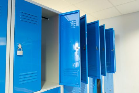 The pandemic has caused Decatur to not allow students to access their lockers, in hopes of stopping the spread of the virus.